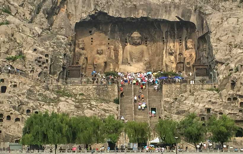 Longmen Grottoes Photo source: https://www.pinterest.com/pin/166422148707683667/
