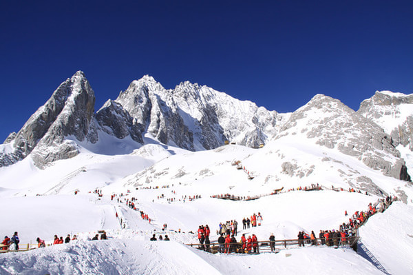 Jade Dragon Snow Mountain. Photo source: www.ebookers.ch
