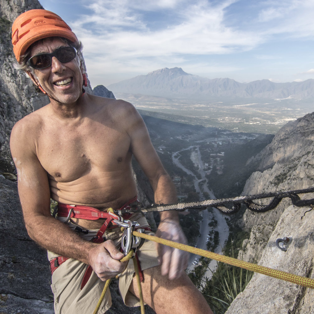 STOKE in Potrero Chico. Because when all you need for 10+ pitch routes is shoes and draws... what's not to love?? @clmbrlifr shot by @sstroeer #mountainhardwear #metoliusclimbing #chasingsunshine #purejoy #youradventure