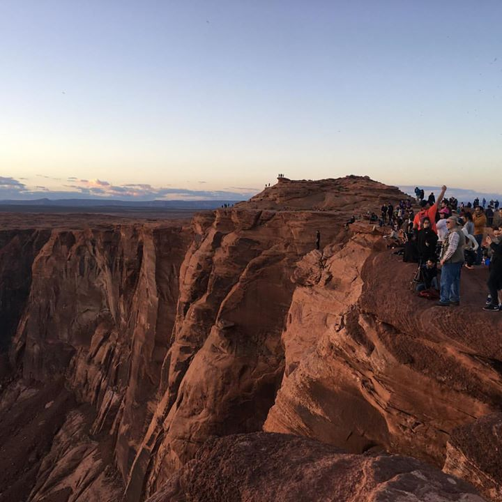 Crowds at Horseshoe Bend (credit Janice Grube)