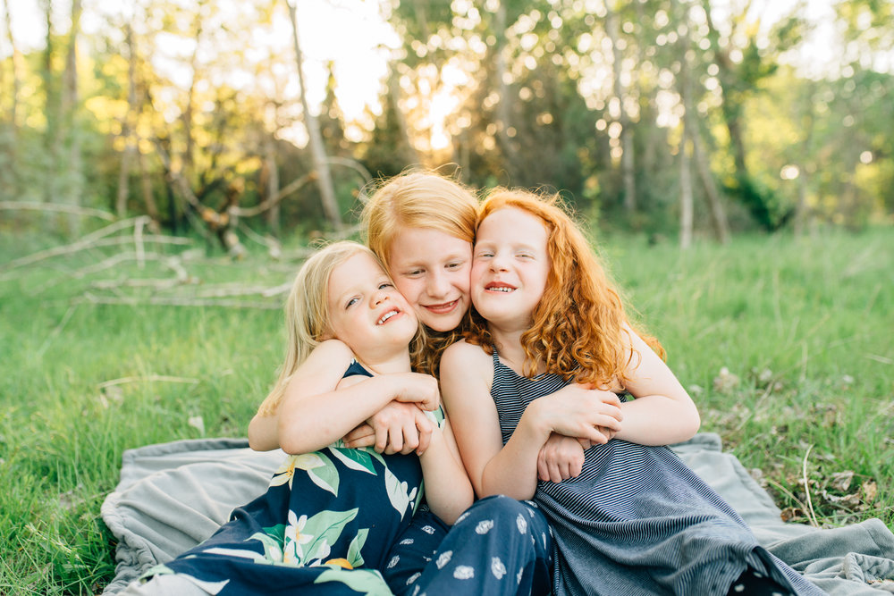 boise family lifestyle session| barber park | boise family photographer | sisters