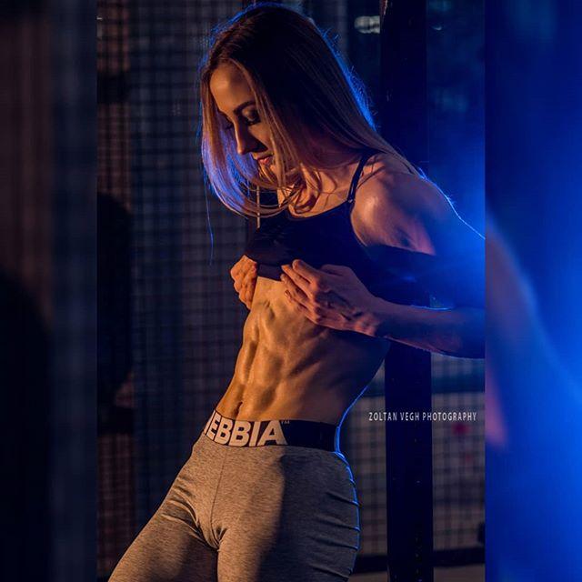 @xoaxoa #gymshoot #zoltanveghphotography #frankfurt #fitnessphotography #girlswholift #girlswithabs #sixpack #abs #bodyfitness #fitnessgirls