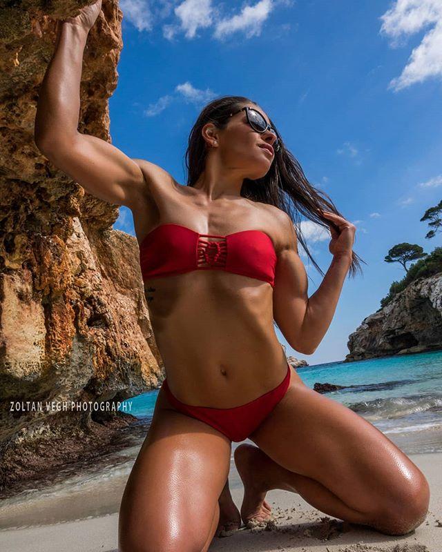 @andy.gbr #mallorca2019 #zoltanveghphotography #mallorcaphotographer #majorca #fitnessphotography #fitnessgirls #bikiniathlete #baleares