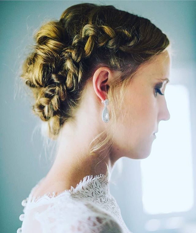 I'm fortunate. I get to wake up each weekend (sometimes weekdays), and create the most beautiful hair styles. This updo in particular still remains high on the list of favorites that I've done over the span of my 19 year career.  It was perfect.  #hairofthebride · · · · #greenbride #nontoxicbeauty #beauty #bridal #bride #organichairstyling #organichairproducts #nontoxic #hairandmakeup #love #losangelesweddings #ocbridalhair #ocwedding #ochairstylist #ocbridalstylist #naturalbride #goddess #braidedupdo #married #weddinghairstylist #weddings #nontoxichaircare #hairthatlasts #haircare #weddinginfluencer #nontoxicinfluencer #bridalhairexpert #hairinfluencer #hair