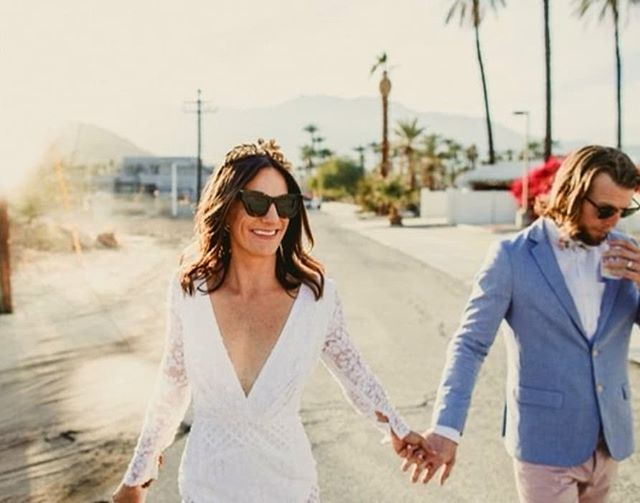 Good vibrations... 🌴✨✌🏻🌞at this #palmspringswedding  #hairofthebride #creeestate  #palmsprings · · · · ·  #palmsspringsbridal #goodvibes #travelcouple #destinationwedding #desertwedding #organichairstyling #organic  Dress: @georgiayoungcouture @lovemariebridalboutique Photo: @ryanhorban  Makeup: @lettiemixmakeup Hair: @hairofthebride • • • • • #brideandgroom #californiawedding #mobilebridalstylist #weddingstyle  #ocbridalhair #ocwedding  #naturalbride #natural  #greenbride  #greenhairstylist #greenbridalhair  #organichairstyling #organichairproducts #nontoxichairproducts #nontoxichaircare #nontoxicinfluencer #nontoxicbeauty