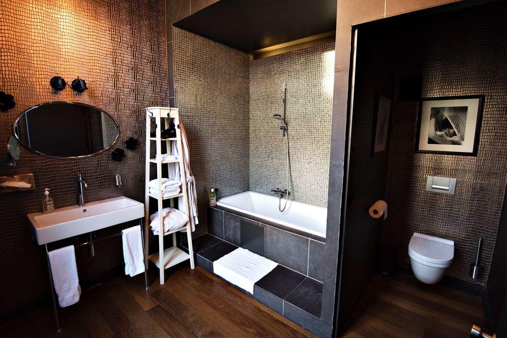 6 the glorious antwerpen bnb hotel logies tablefever bnb2nite .jpg