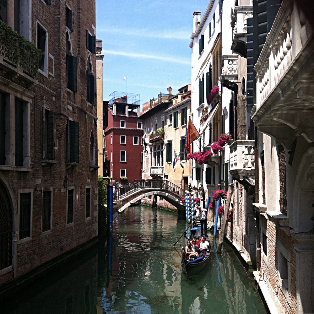 I'm no photographer but I still can't believe I was able to capture such a perfect view of a canal.