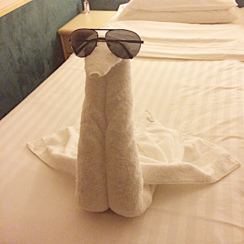 It was always fun coming back after a long day of cruising to see the cool towel art housekeeping would create.