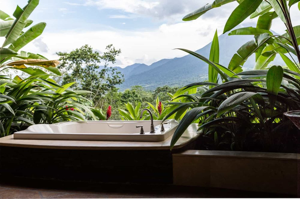 Jacuzzi hot tub overlooking Arenal Volcano.