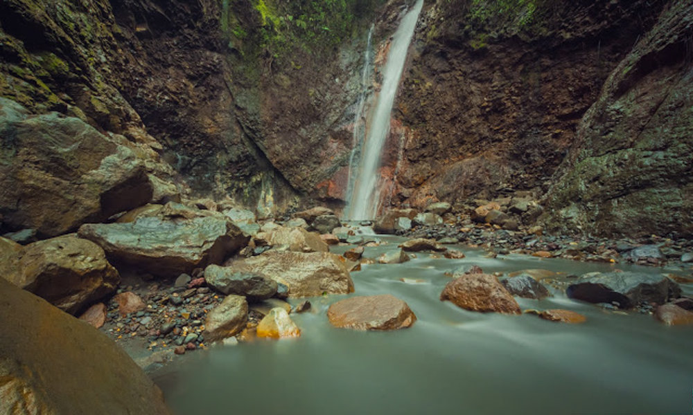 Tesoro Escondido (Hidden Treasure Waterfall) in Bajos del Toro, Costa Rica.