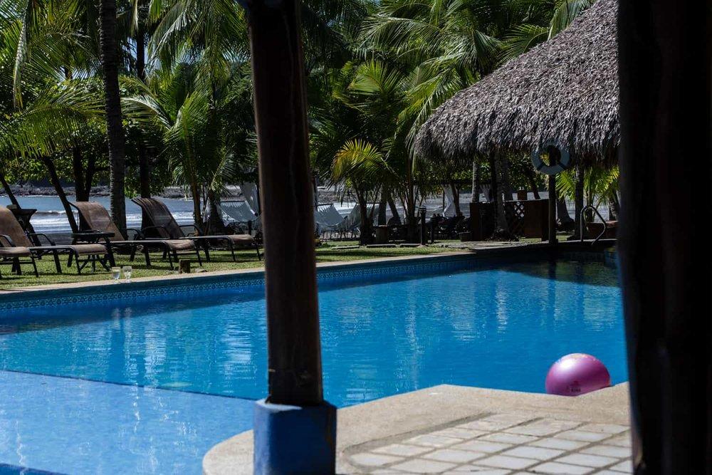 Los-Cocos-Beach-Bar-Hotel-Punta-Islita-4.jpg