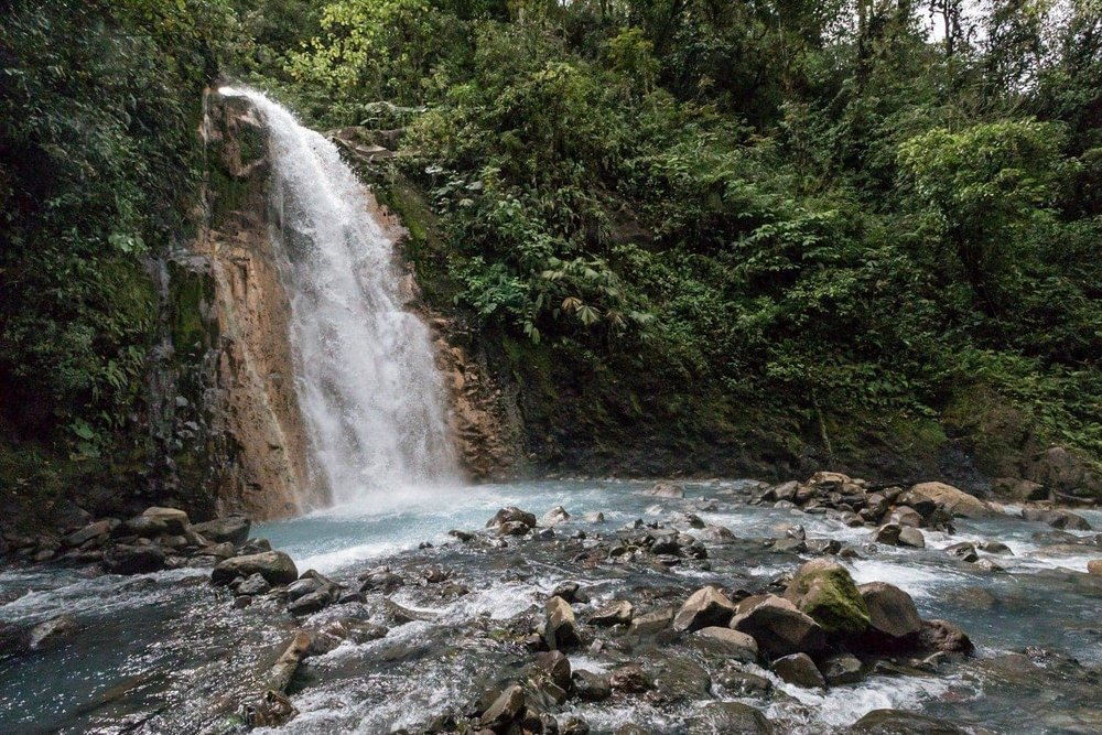 The first of the two Las Gemelas waterfalls in Bajos del Toro