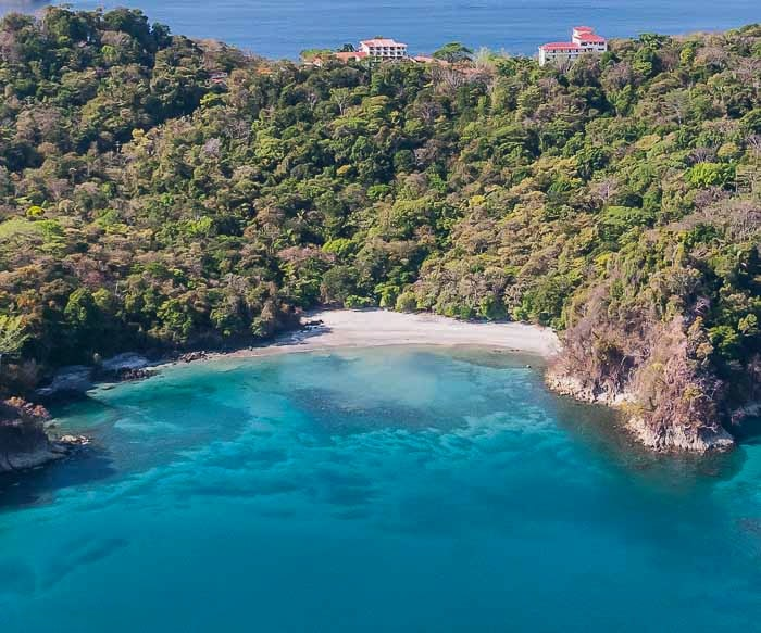 Playa Biensanz is an amazing romantic beach in Puntarenas that is great for engagements.