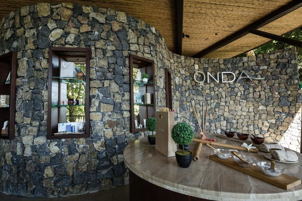 Onda Spa at Andaz Resort in Papagayo for your wedding preparation needs.