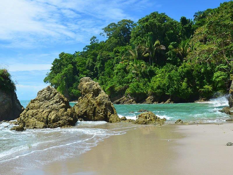 Beach location at Villa Punto de Vista for wedding ceremonies.