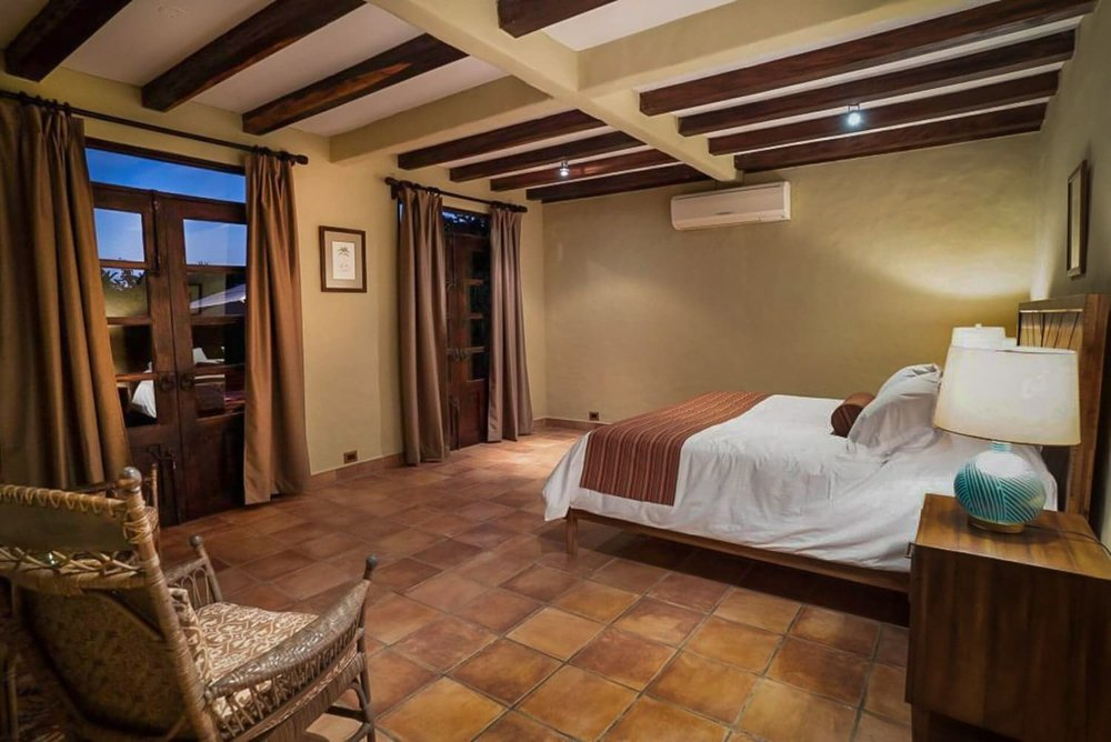Suite with ocean views at Hacienda Barrigona for wedding guests.