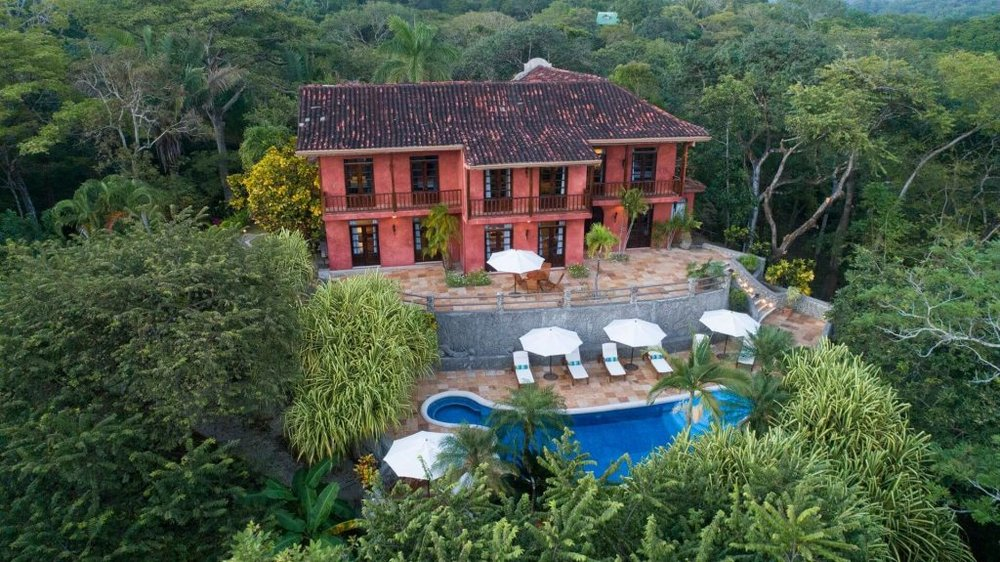 Hacienda Barrigona is a marvelous rustic-luxury venue for a memorable Costa Rica destination wedding.