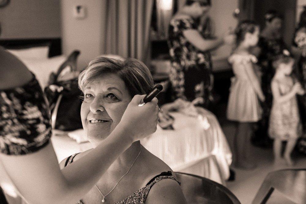 Wedding preparation in bridal suite at Dreams Las Mareas.