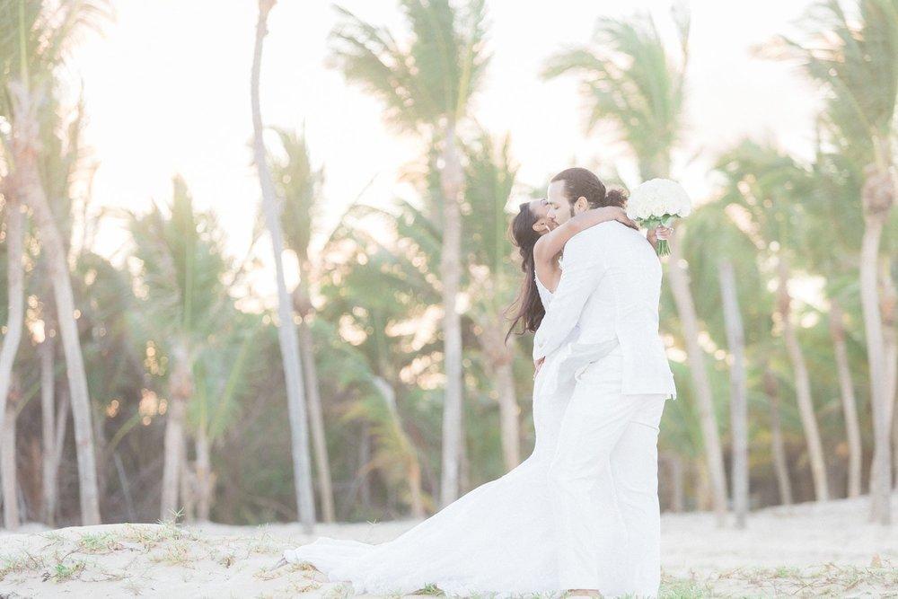 Gallery of wedding photos taken in Cost aRica.
