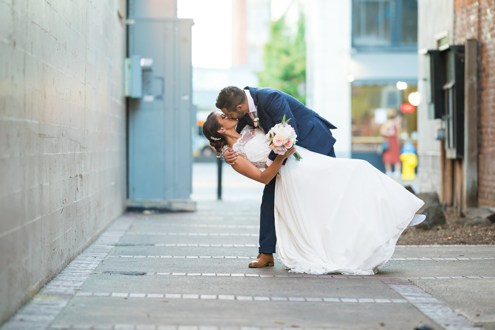 Perfectly Planned Moments Eugene Oregon Wedding Planner Downtown Bridal Photos.jpg