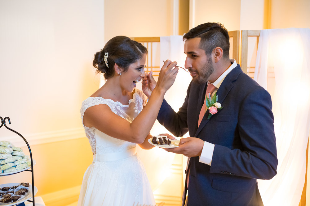 Perfectly Planned Moments Eugene Oregon Wedding Planner Downtown Athletic Club Cake Cutting.jpg