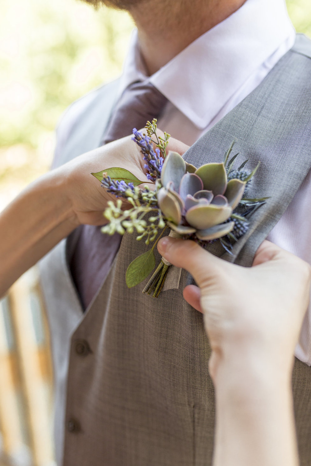 Washington Wedding Planner Coordinator Cabin Creek Lodge Detail Shots Perfectly Planned Moments Whistling Dixie Photography Boutonniere.jpg