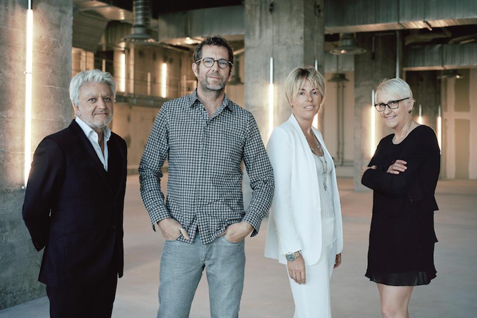 Vincent Dessailly. Da esquerda para a direita: Stéphane Xiberras, Rémi Babinet, Bertille Toledano and Mercedes Erra.