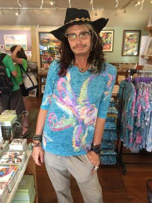 steven tyler is 'dancing with the stars' in the 3/4 sleeve. 2016