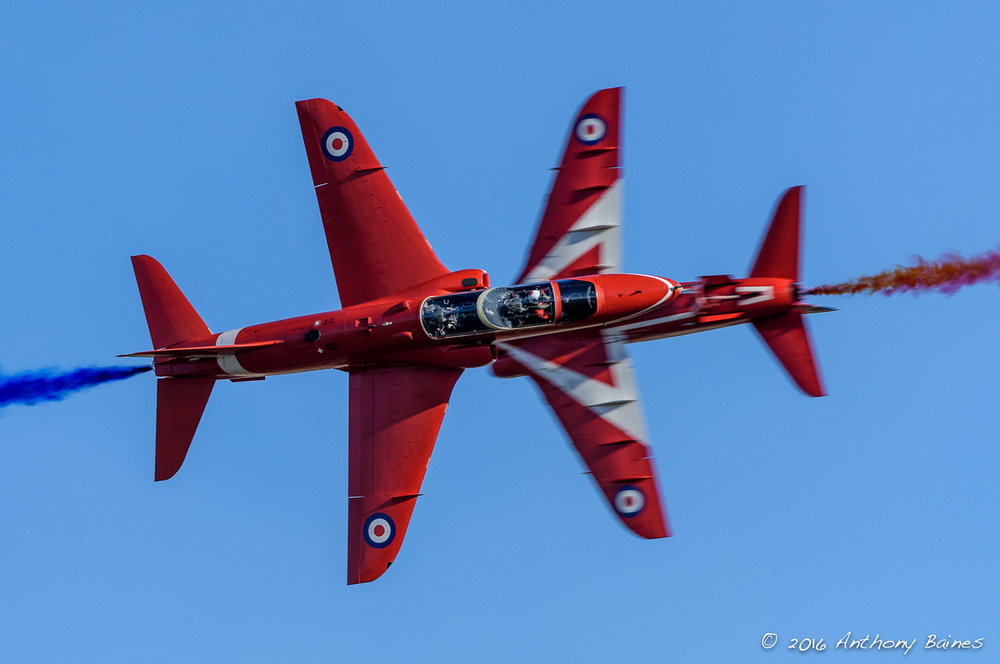 Red Arrows opposition pass