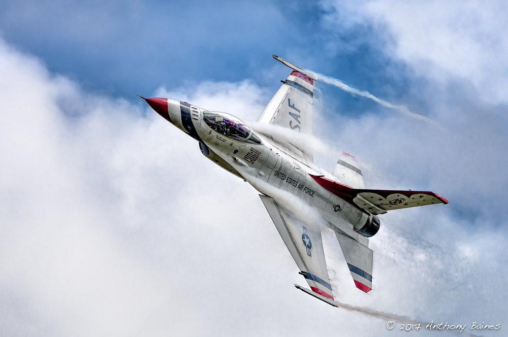Thunderbird high G turn