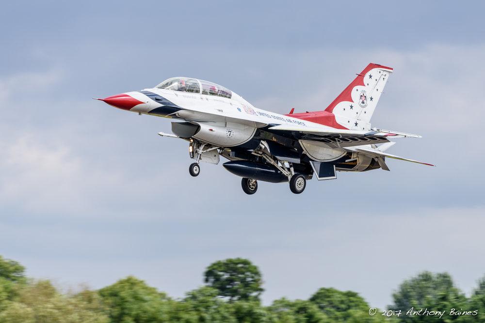 Thunderbird 7 landing