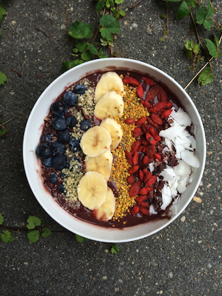 açaí bowl easy recipe for breakfast