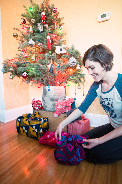 sustainable Christmas wrapping - furoshiki - Seek United