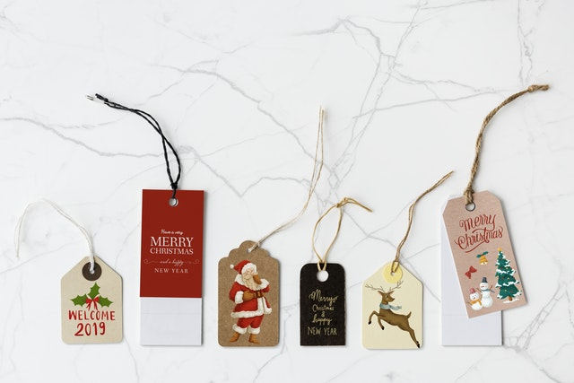 un-deck your Christmas decorations
