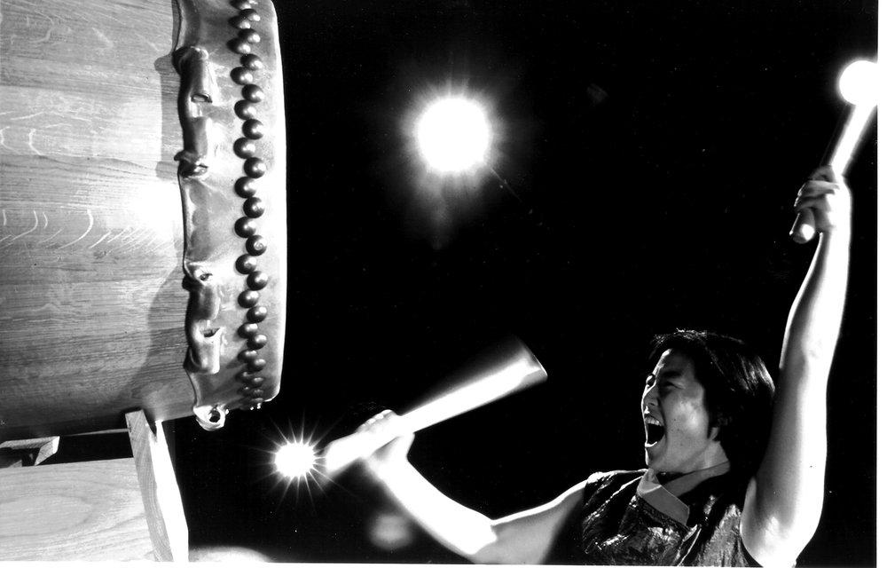 taiko-drumming-dubai-chika-shoten.jpg