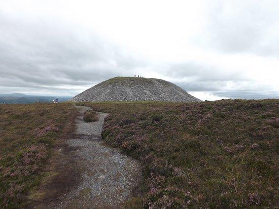 Queen Maeve's Cairn, Knocknarea
