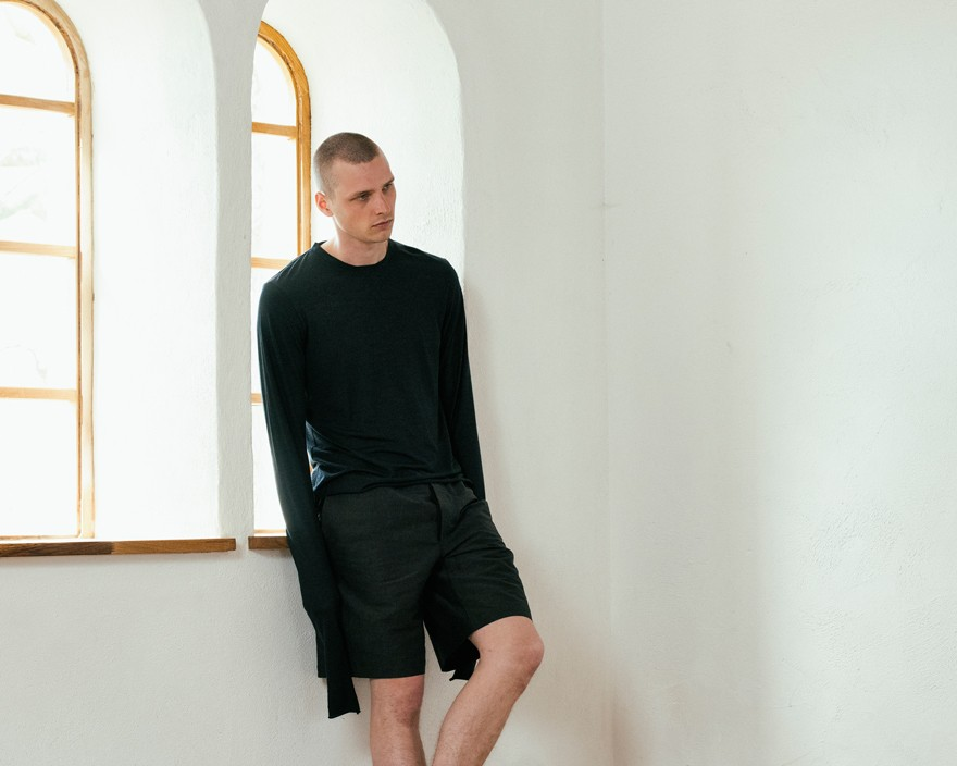 101-outlier-experiment021-unfinishedlongsleeve-lead-crop.jpg
