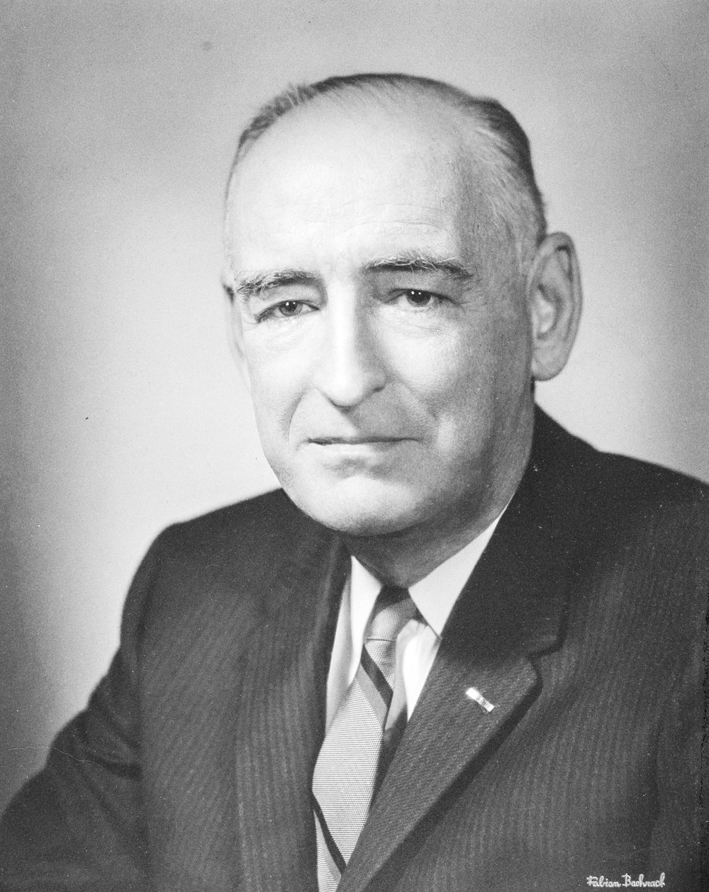 DR. GARFIELD G. DUNCAN, BORN 1901