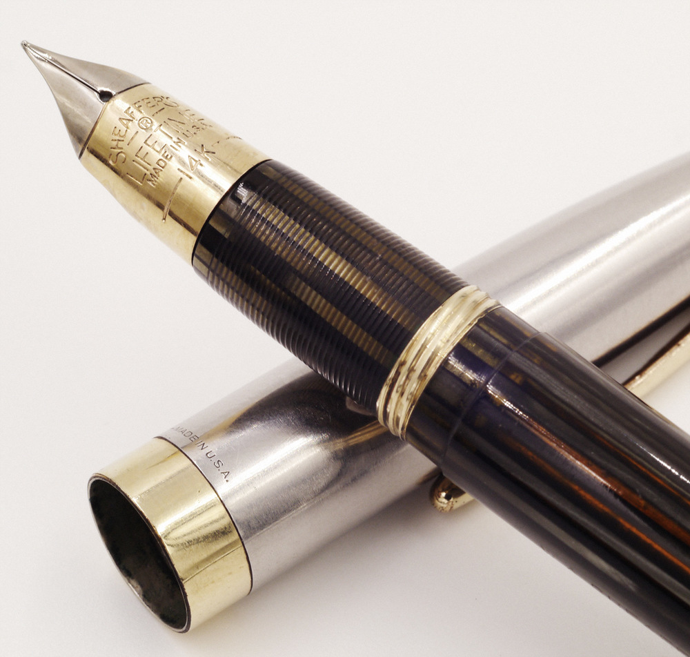 Close-up of the gorgeous Triumph nib