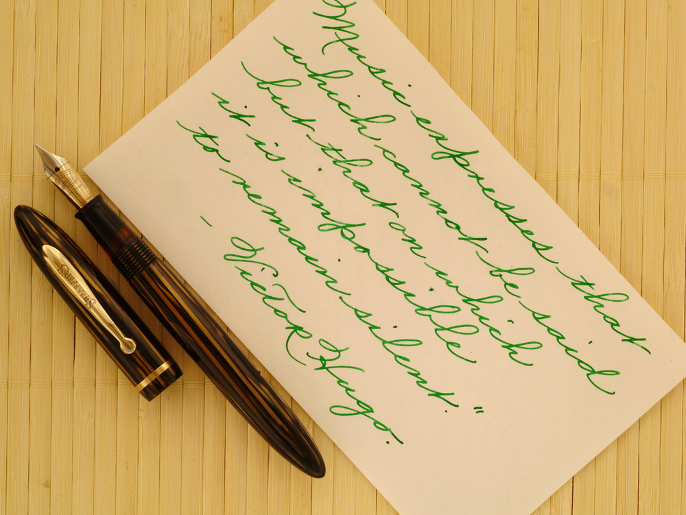 Slender Sheaffer Balance in Striated Golden Brown celluloid