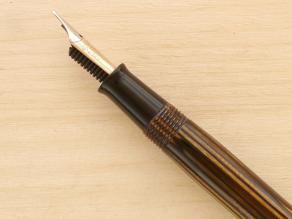 Sheaffer Lifetime Balance Vac, Golden Brown, F, nib close-up showing excellent geometry and alignment