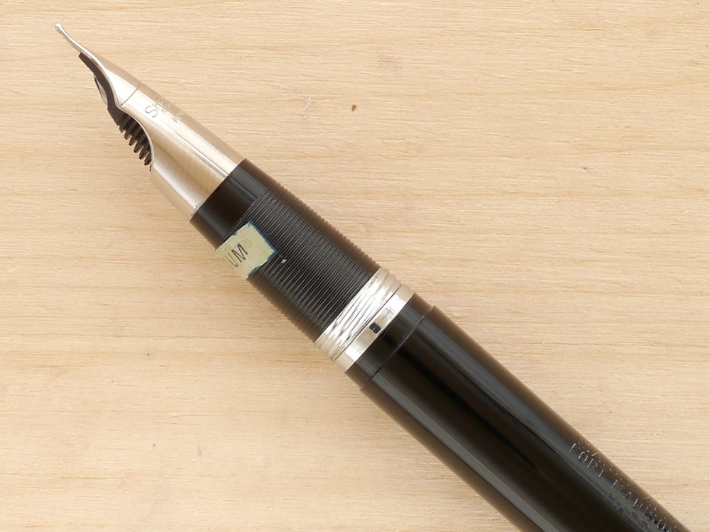 Sheaffer Snorkel Statesman, Black, M, Boxed, nib profile showing excellent tipping geometry and alignment