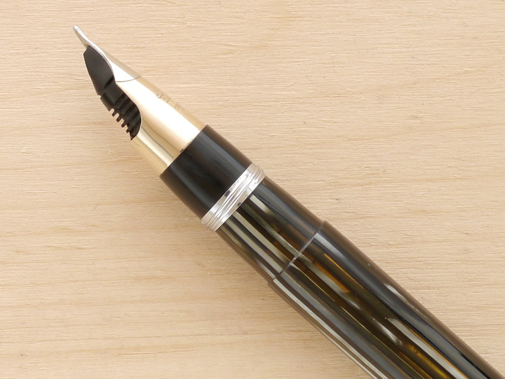 Sheaffer Triumph Vac, Gray Pearl, B, nib profile, also note excellent barrel transparency, with the background showing through