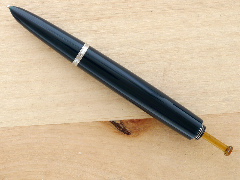 Parker 51 Vacumatic Cedar Blue, Broad Stub, with the blind cap removed