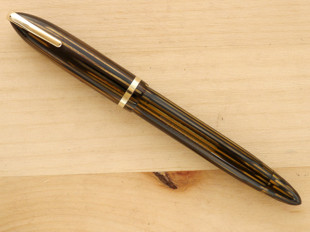 "Sheaffer Balance ""Defender"" Vac fountain pen, Golden Brown, XF, capped"