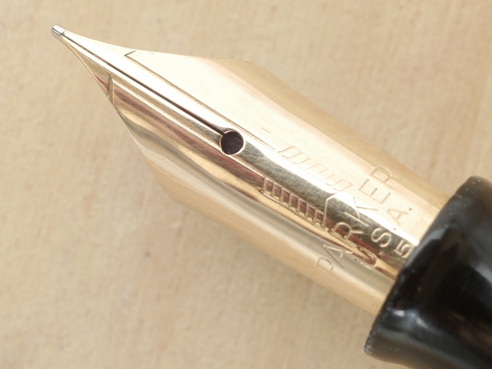 Parker Vacumatic Major Fountain Pen, Golden Pearl, F (NOS), nib close-up