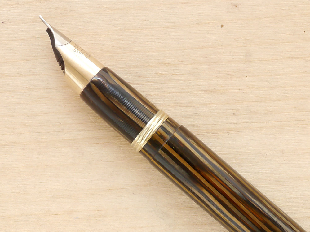 Sheaffer Triumph Crest Fountain Pen, Golden Brown, F, nib profile showing excellent tipping geometry and alignment