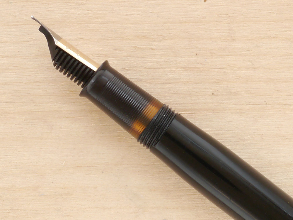 Sheaffer Craftsman Touchdown Fountain Pen, Black, F, nib profile showing excellent tipping geometry and alignment