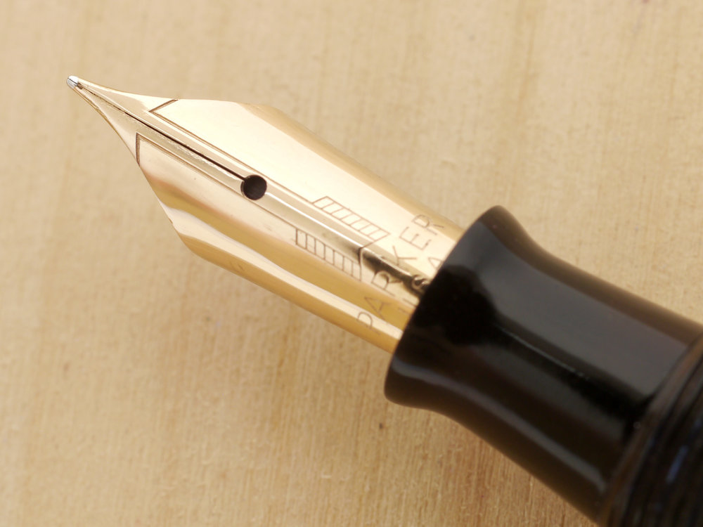 Parker Vacumatic Major Fountain Pen Azure Pearl, XF, nib close-up