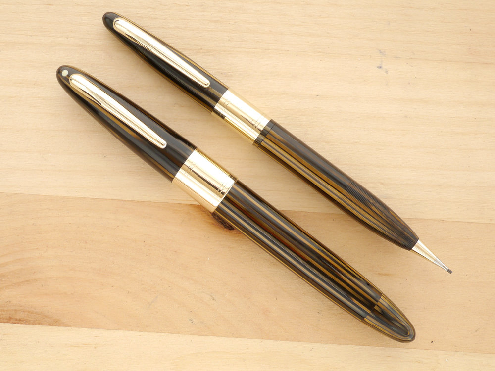 Sheaffer Triumph Valiant Oversize Fountain Pen and Pencil Set, Golden Brown, XF